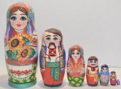The Ukrainian painted nested doll from 7 pieces small 703