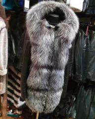 Кожаные пуховики с натуральным мехом чорнобурки