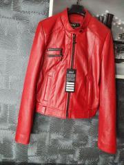 Кожаная куртка женская красная