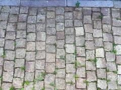 Stone blocks sawn and chipped (gabbro,
