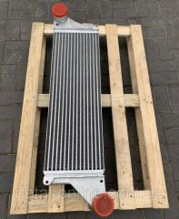 Радиатор охлаждения двигателя John Deere...