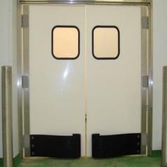 Shock pendular doors of PVC