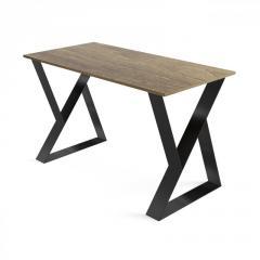 Стол из металла и фанеры