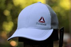 Бежево-белая мужская кепка Reebok