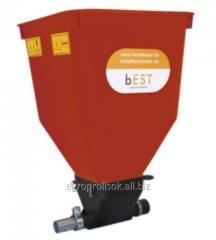 Auto feeders for poultry