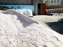 Salt deicing for topping of roads