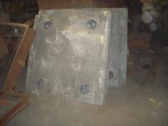 Плита распорная чугунная СМД 111,СМД 118