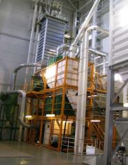 Plant on production of full-fat, extruded soy