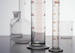 Лабораторная посуда, мензурки, стаканы, мерные