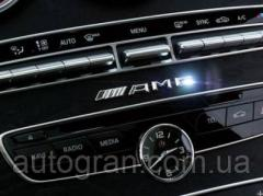 Эмблема панели приборов Mercedes AMG