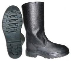 Military boots bortoprošivnye and polyurethane