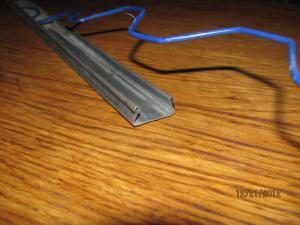 Профиль для крепления плёнки на деревянном или