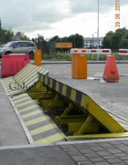 Automatic anticollision road lock
