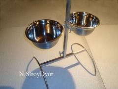 Подставка с мисками на штативе для кормления собак