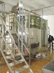 Аппараты для выработки сырного зерна рабочим