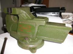 Тиски слесарные ГОСТ 4045-75, от 125 до 200 мм, с