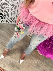Короткие женские джинсы с нашивкой цветы и дырками