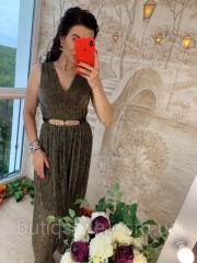 Нарядное платье из блестящей ткани сетки с