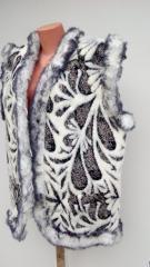 The vest a sheepskin female 2, a covering a