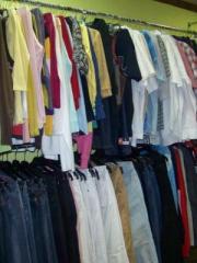 Одежда стоковая из Англии, Италии, Германии,
