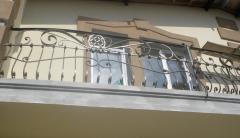 Shod balcony protections