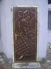 Двери входные кованые
