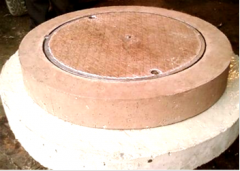 Manholes with locks T (25 tons).