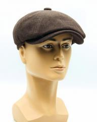 Мужская кепка восьмиклинка теплая коричневая.