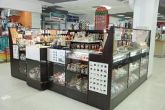 Show-windows, racks, counters