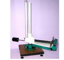 The device for demonstration of Coriolis force of
