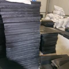 Плиты с натуральной резины 500х500. Горячее