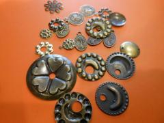 Металлические украшения