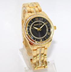 Часы Michael Kors золотые с черным экраном