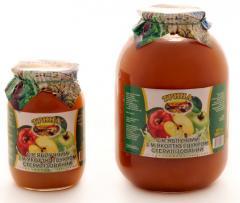Apple juice with pulp