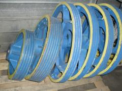 Pulleys for lift winches in assortmen