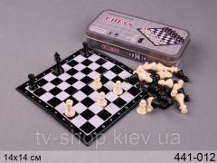 Дорожные шахматы в шкатулке
