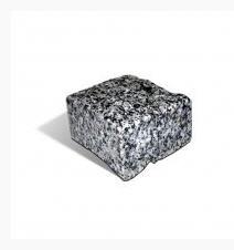 Stone blocks of 10х10х5 cm chipped