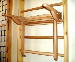 Hinged gymnastic bar 100