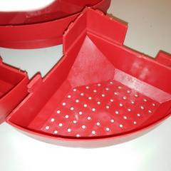Кормушка пластиковая тарельчатого типа для