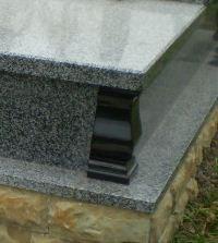 Уголки надгробные гранитные уголки из гранита
