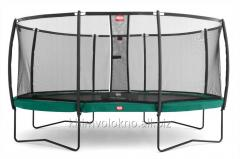 Protective trampoline net