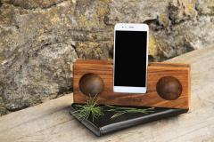 Усилитель звука для смартфона из натурального