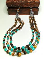 Ожерелье из тигрового глаза и бирюзы