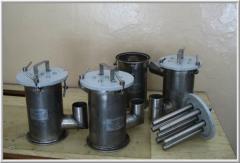 Magnetic separators for liquid, suspensions and