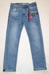 Голубые джинсы с потертостями для мальчика на лето