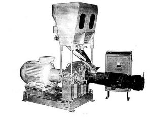 Extruder of fodder grain for production of