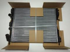 Радиатор охлаждения Logan (с конд.), NISSENS