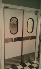 Жесткие маятниковые распашные двери