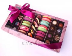 """Luxury a collection"""" from 12 makarons and"""