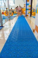 Modular floor covering for pools and aquaparks own